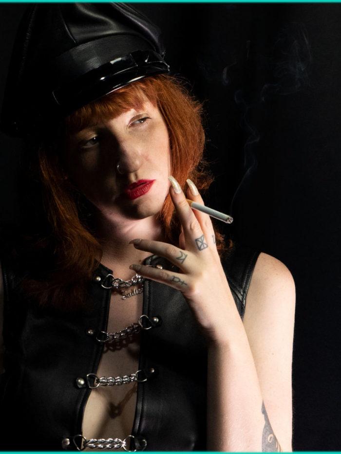 Trip_Smoking_Lady_Amber_Sep21